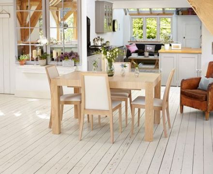 Olten Uno Light Oak Extending Dining Table
